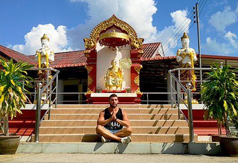 Meditacion en Templo Budista Tailandia